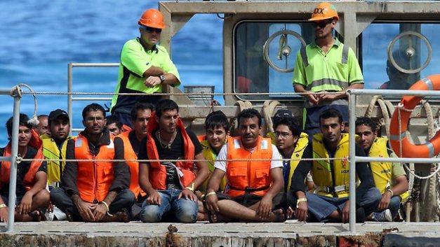 asylum-seekers-christmas-island[1]