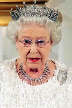 Queen-Elizabeth-Pictures.jpg