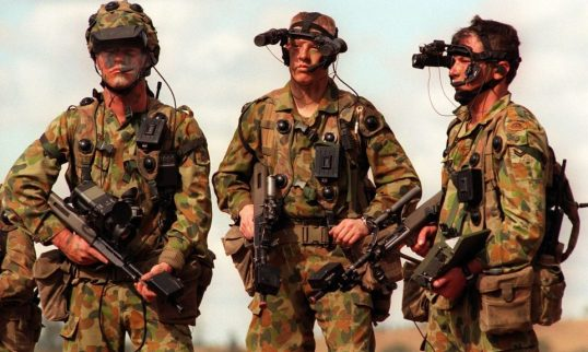Australia-Arms-Soldiers-Military-Weapons-1997-960x576